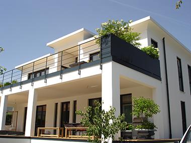 balkongel nder gemauert modern gel nder f r au en. Black Bedroom Furniture Sets. Home Design Ideas